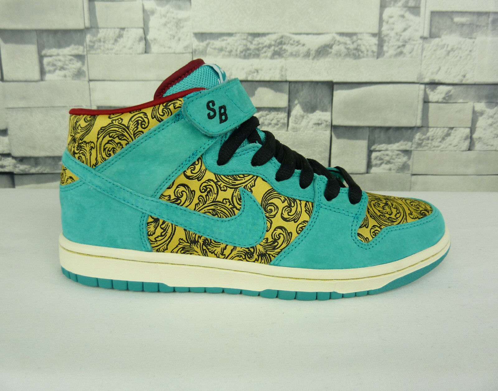 NEW NIKE DUNK MID PREMIUM SB PEACOCK SNEAKERS SIZE 8.5 US DEADSTOCK