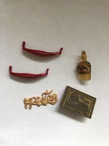 5-Novelty-Shank-and-flat-Back-buttons-Italy-Gondolas-Colosseum-Pasta-and-Wine