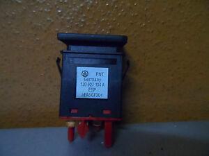 1J0927134A  ESP Schalter Taster  VW Golf 4 Bora (IN SCH 15)