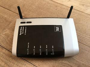 AVM-FRITZBox-Fon-WLAN-7240-300-Mbps-4-Port-100-Mbps-Verkabelt-Router-20002436