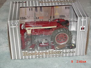1//16 IH INTERNATIONAL HARVESTER FARMALL TORCH SET