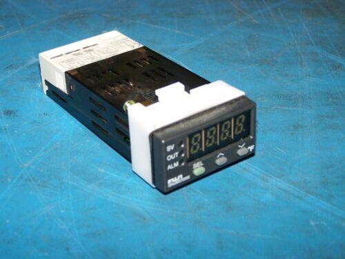Fuji PXV3-RCY2-4V temp temperature controller 100-240v mounting clip control