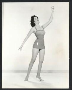 1960 PAT CAWLEY Leggy Barefoot Hoer Vintage Original Photo