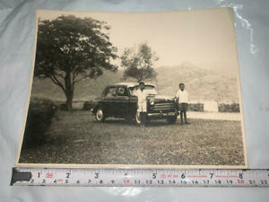 BLACK AND WHITE INDIAN VINTAGE OLD PHOTOGRAPH OF PAL FIAT PREMIER CAR
