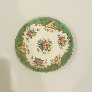 Vintage-Tuscan-Fine-Bone-China-Saucer-Green-Floral-Made-in-England