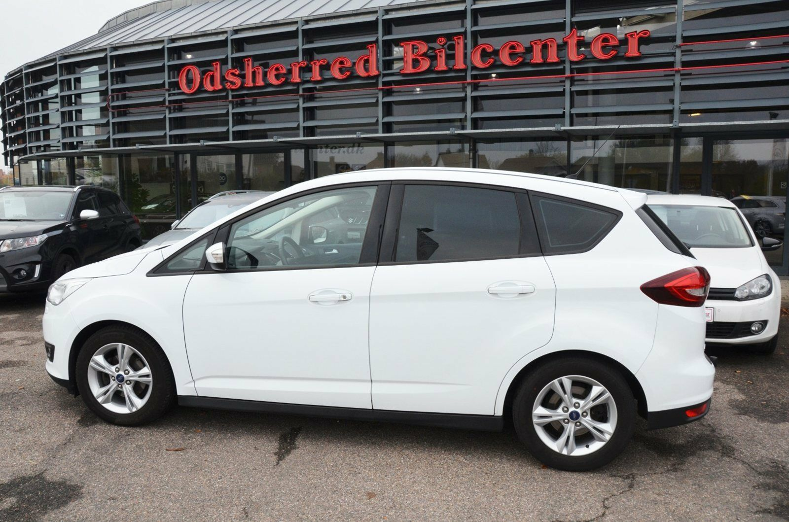 Ford C-MAX 1,5 TDCi 120 Business 5d - 189.850 kr.
