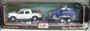 Maisto-32935-2tlg-Set-Ford-Explorer-Sport-Tac-Ford-Focus-SVT-1-25-24-NEU-amp-OVP