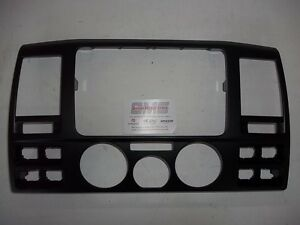 VOLKSWAGEN-Transporter-T5-GP-2010-Dash-Fascia-Trim-CD-Radio-Envolvente-Genuine-VW