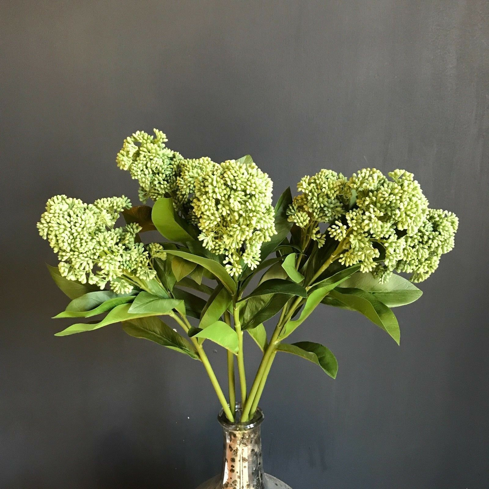 Bunch of 5 Grün Artificial Skimmia, Realistic Faux Belladamen Hydrangea