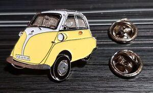 BMW-Pin-Isetta-gelb-weiss-lackiert-Masse-33x26mm