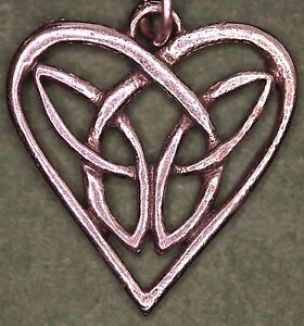 Celtic-Interlaced-Heart-24mm-Pendant-on-silver-chain-with-folder-CHPP