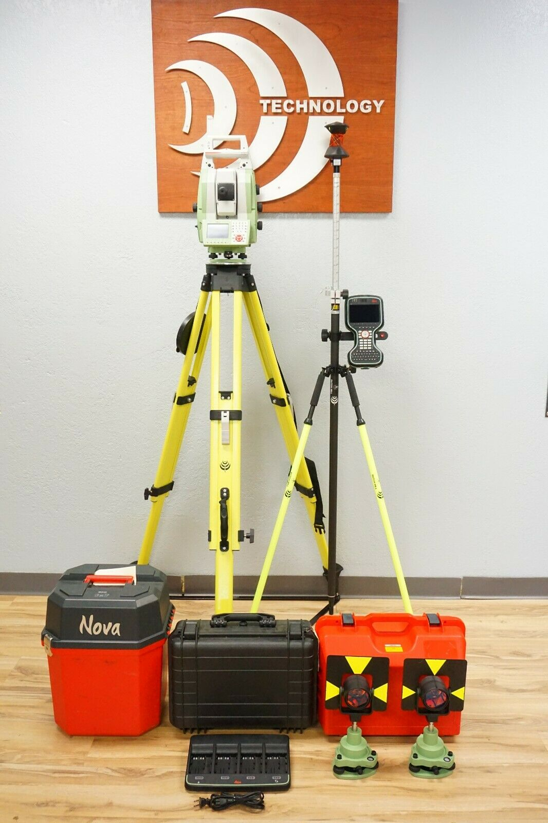 "Leica MS50 1"" R2000 NOVA Robotic Scanning Total Station Carlson Data Collector"