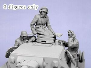 1-35-Resin-WWII-Winter-German-Tankers-3-Unpainted-Unassembled-QJ065