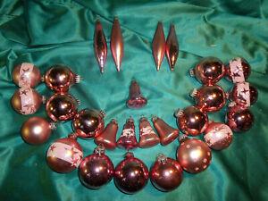 Konvolut-27-Christbaumkugeln-Glas-Oliven-Glocken-rosa-weiss-Weihnachtsugeln-CBS