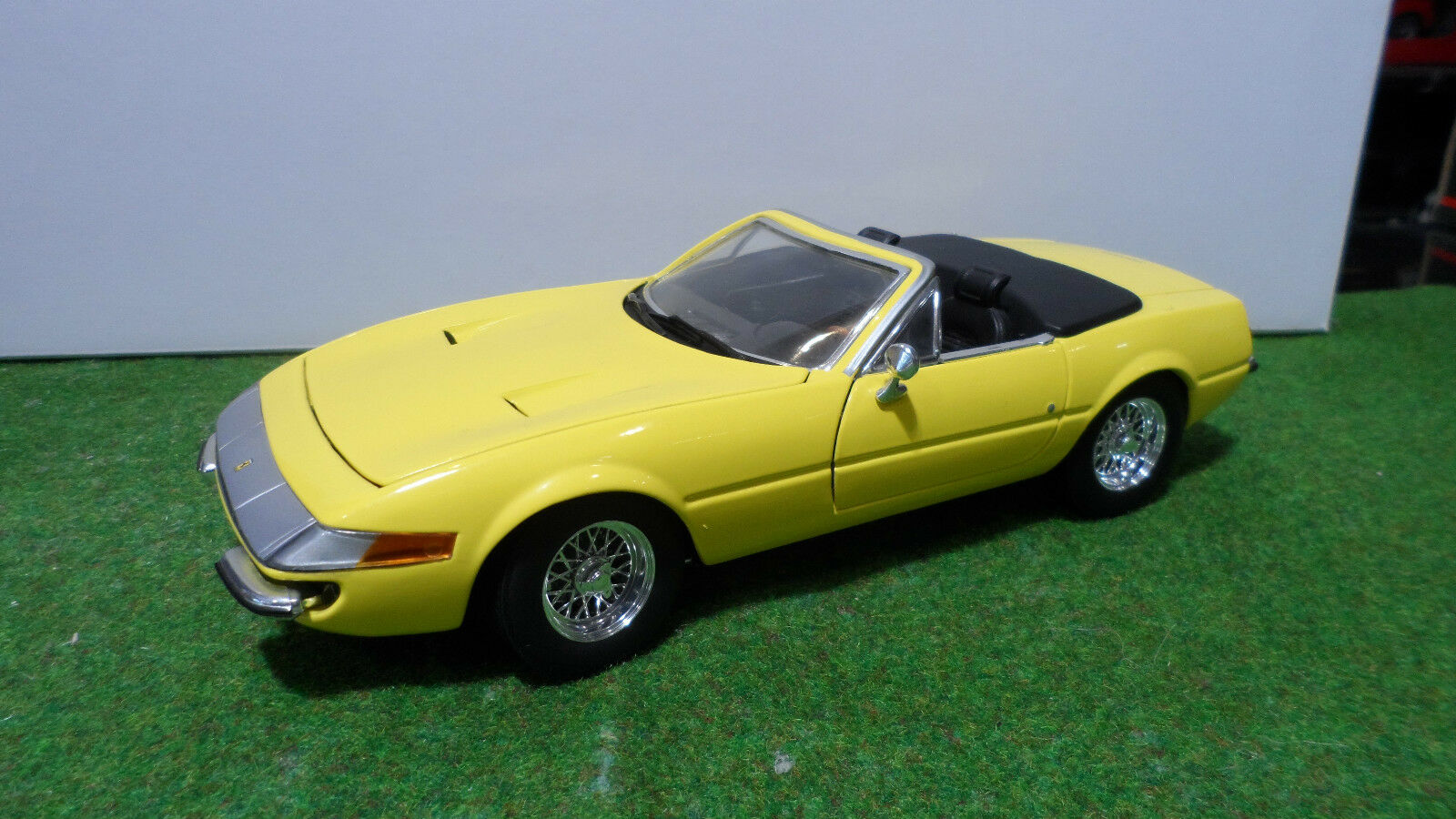 FERRARI 365 GTS 4 Daytona cabriolet yellow au 1 18 d HOT WHEELS voiture miniature