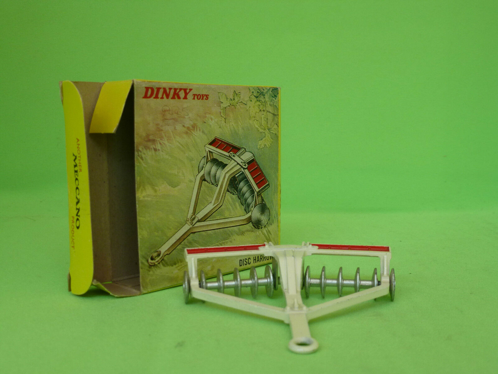 DINKY TOYS   322  DISC HARROW       RARE SELTEN IN EXCELLENT CONDITION BOXED c472ac