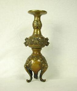 Antico-Candelabro-Treppiedi-in-Bronzo-Cina-Alter-Kerzenhalter-Cina-Candlestick