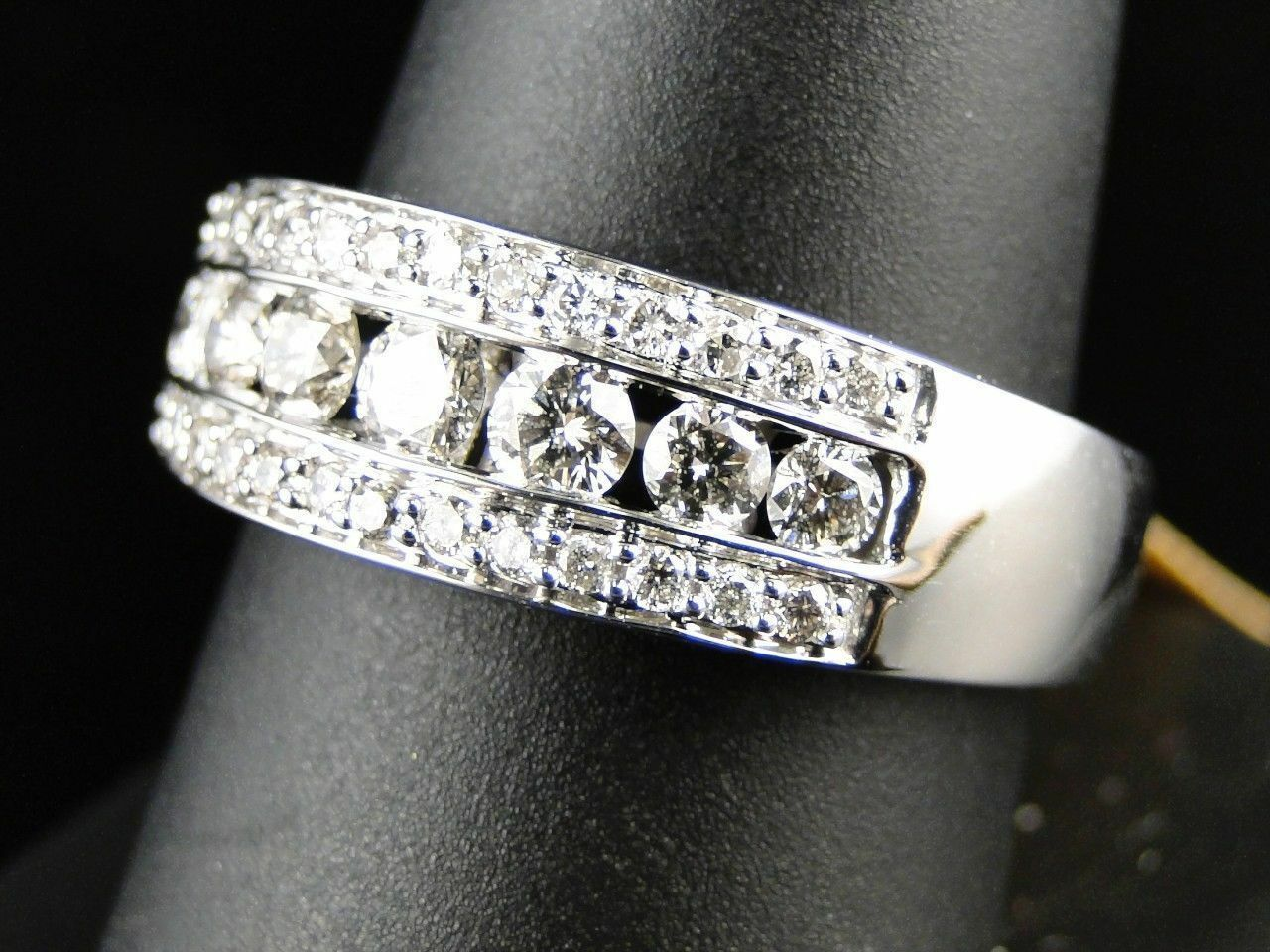 Mens 1.90Ct Round Diamond Wedding Band Engagement Ring