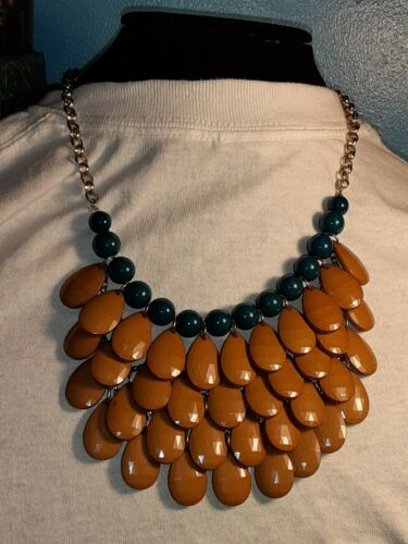 Necklace in brownbeige jewelry wire buttons and beads