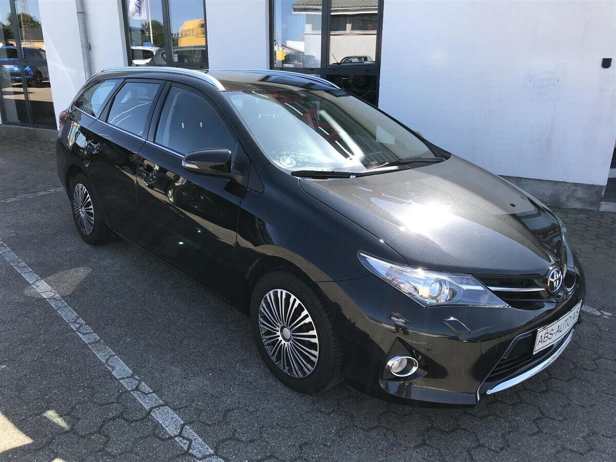 Toyota Auris 1,6 T2+ 5d - 124.700 kr.