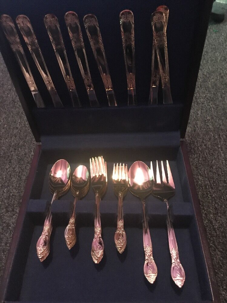Grand Vintage International plaqué or 42 pièces Couverts Set