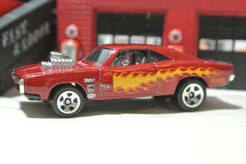Maroon Red Hot Wheels /'70 Dodge Charger R//T 1:64 Target Exclusive Loose