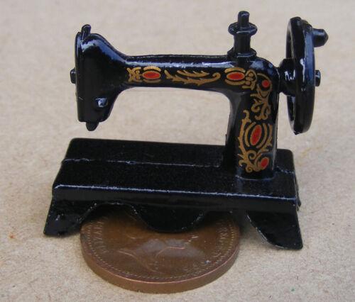 Échelle 1:12 en métal noir table machine à coudre tumdee maison de poupées Matériau 015
