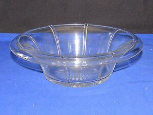 Heisey-Glass-Tudor-Rib-amp-Panel-Pattern-Bowl-9-1-2-034-wide-Round-Dish-Rolled-Rim