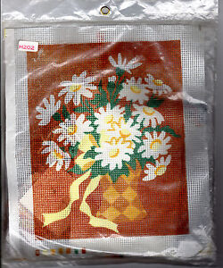 1974-Sew-Simple-Inc-Needlepoint-Kit-H202-Daisies-in-Vase-Printed-Cotton-Fabric