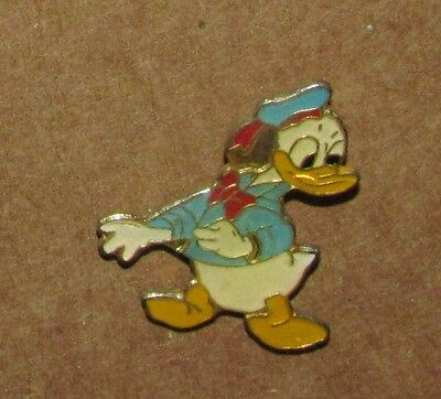 B Disney  Pin Vintage DONALD DUCK LOOKING BACK