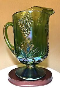 Vintage-Indiana-Glass-Iridescent-Lime-Green-Carnival-Harvest-Grape-64oz-Pitcher