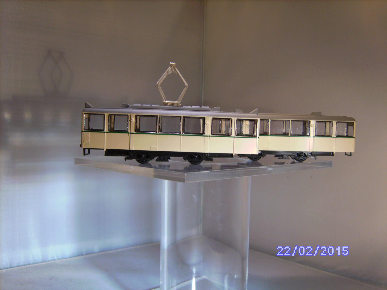 90019 tram KSW TW + BW tram Augusta h0 senza attacco, con etichette
