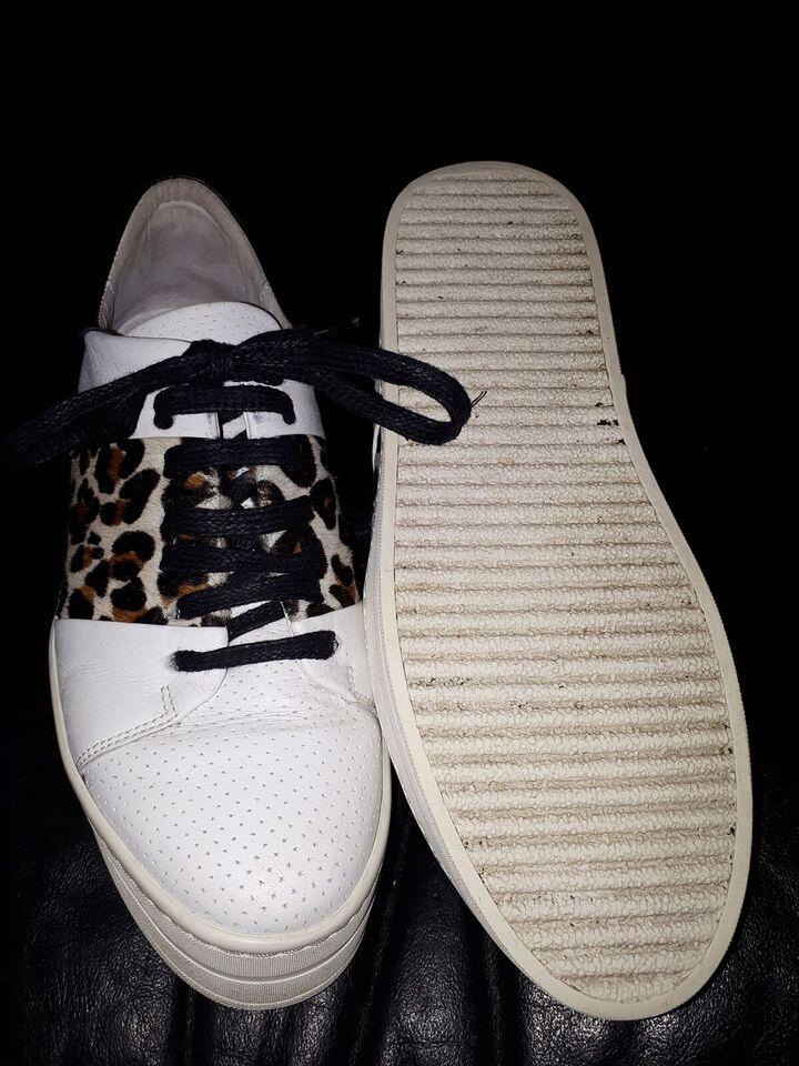 Sneakers, str. 37, BDK, sort, skind, Næsten