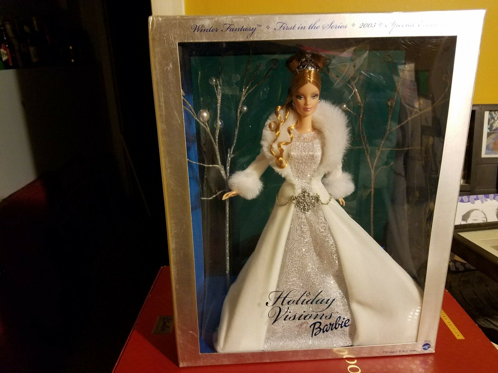 WINTER FANTASY HOLIDAY VISIONS BARBIE . SPECIAL EDITION .. COLLECTIBLE .. RARE .