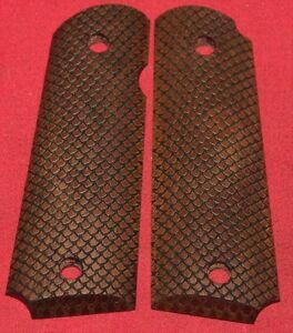 Colt-Firearms-Full-Size-1911-Grips-Scale-Pattern