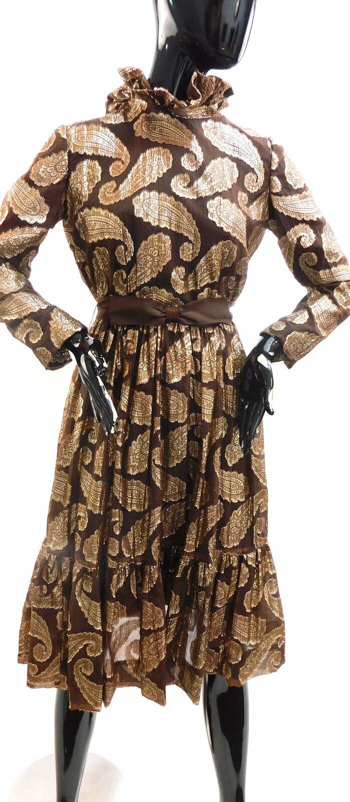Vintage 1960s Paisley print lame' cocktail dress … - image 1