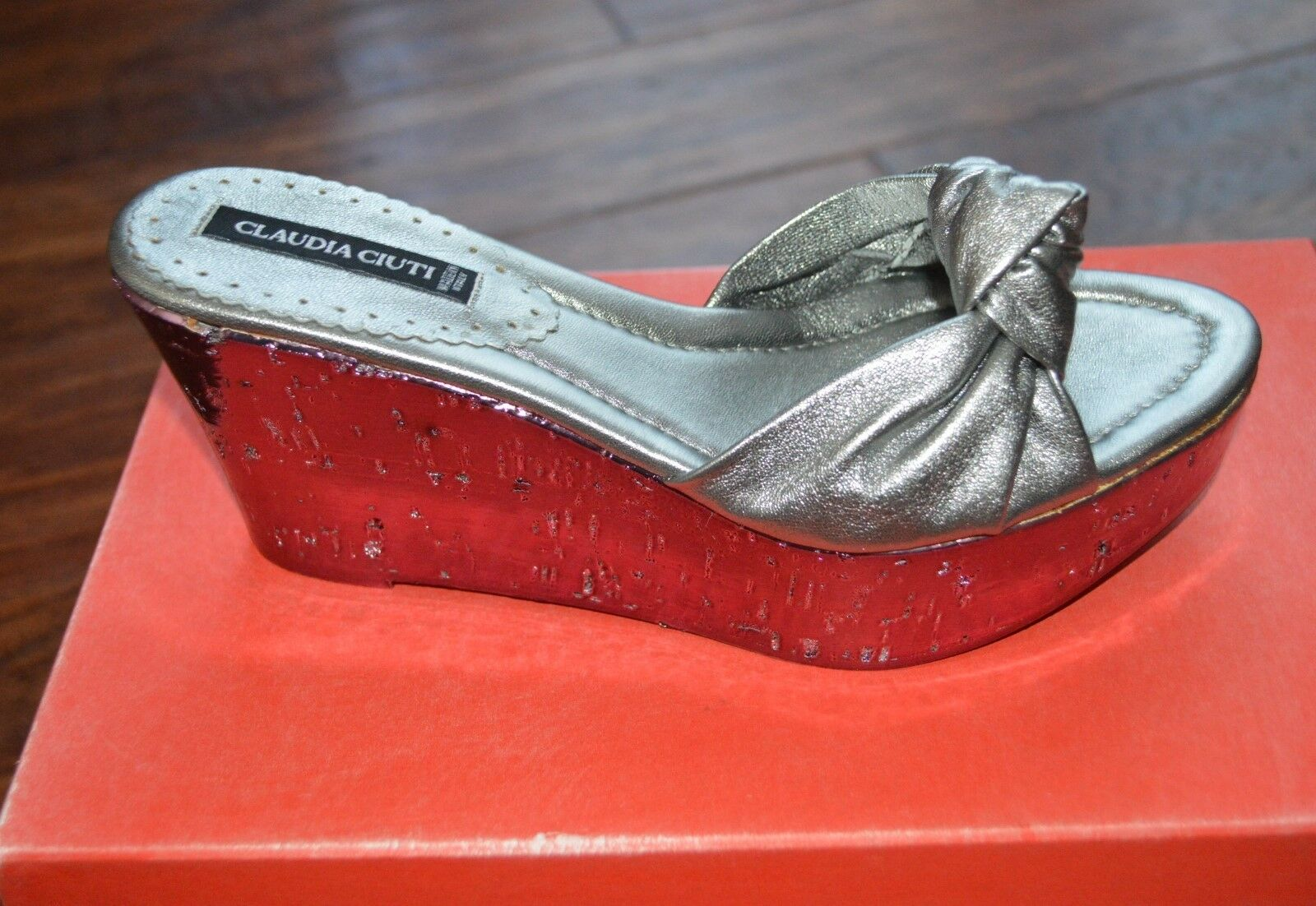 46f3ba6f89bd5 Claudia Womens Buttery Wedge shoes Size 6 US Platform Silver 465 ...