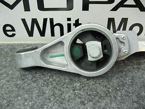 01 09 Chrysler Pt Cruiser Passenger Engine Motor Mount Isolator