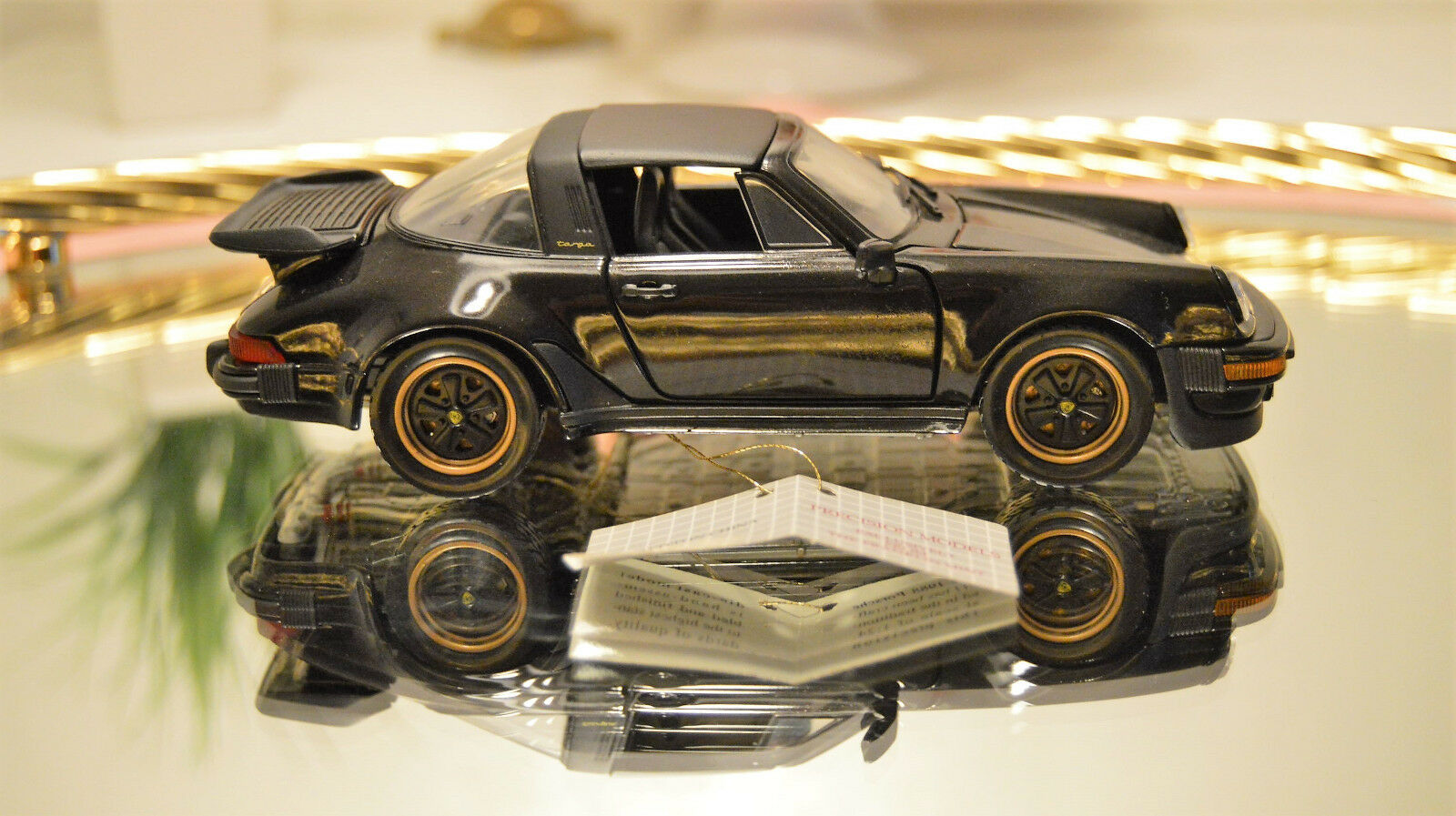 Franklin Mint   Porsche 911 Carrera Targa 1988   1 24
