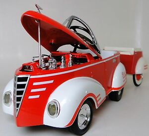Pedal-Car-Rare-1940-Ford-wTrailer-Vintage-Metal-Collector-READ-Length-10-Inches
