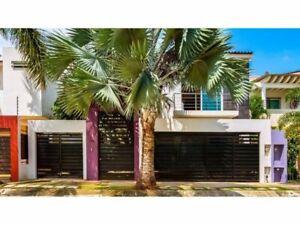 Casa en Venta en Puerto Vallarta, 4 Recámara, 5.5 Baños