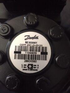JOHN DEERE Danfoss New OEM RE333001 286D0560 Elect-Hyd Proportional Valve
