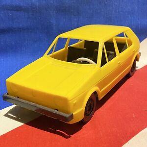 RARO-VOLKSWAGEN-VW-GOLF-Mk1-Giallo-Auto-modello-va-400497-GRANDE-soddisfatta-Retro-1980