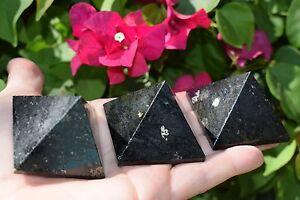 1-RARE-Charged-2-034-50mm-Nuummite-Pyramid-Crystal-Healing-Energy-REIKI-110g