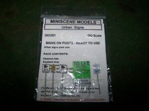 a-Miniscene-Models-pack-of-Urban-Signs-more-than-one-set-mixed-together