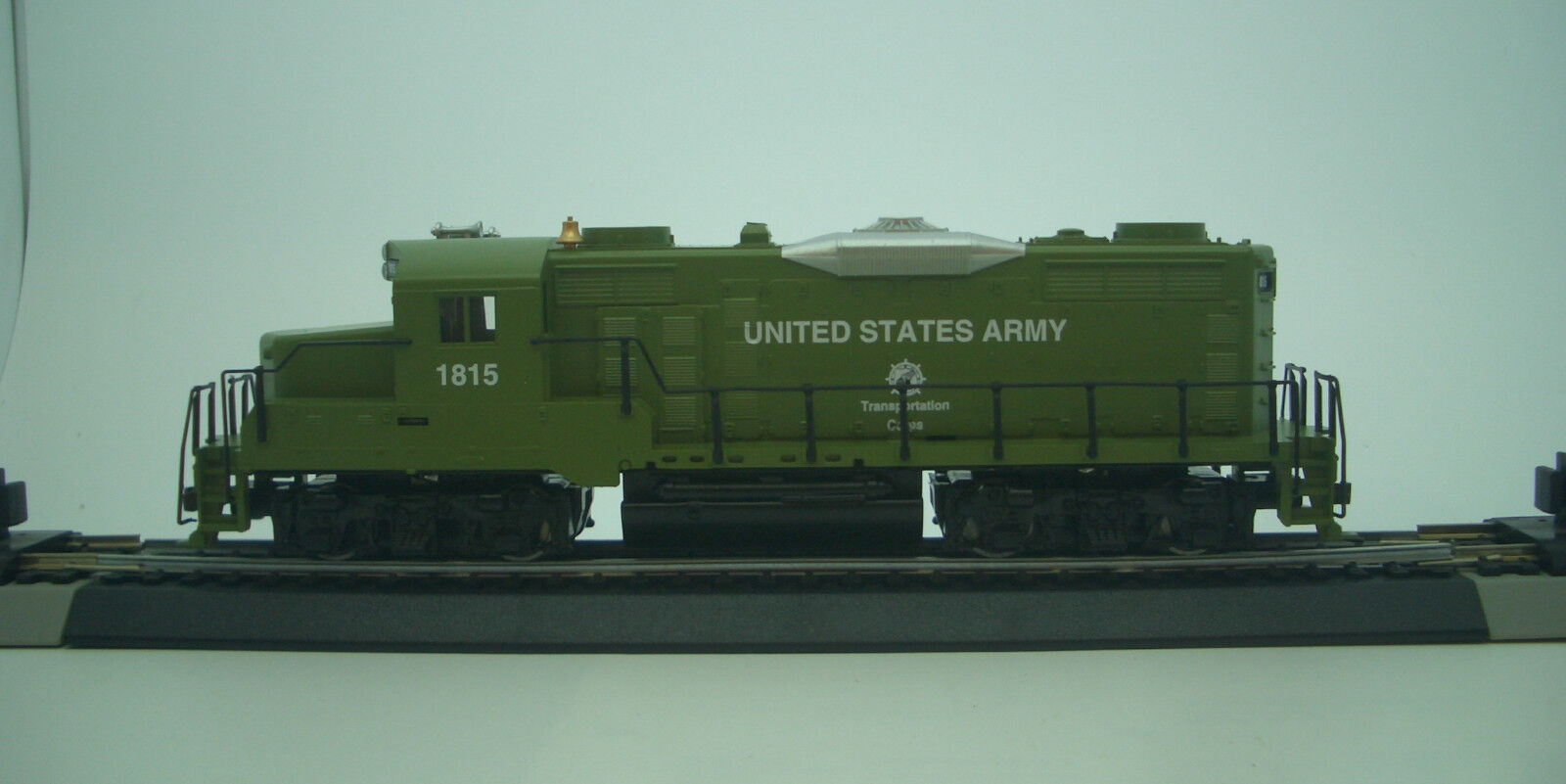 HO US ARMY EMD GP-20 LOCOMOTIVE DCC READY  414009 US ARMY LOCOMOTIVE