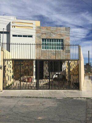 Casa en esquina con terreno excedente, Fracc. Punta Azul, Pachuca, Hidalgo.