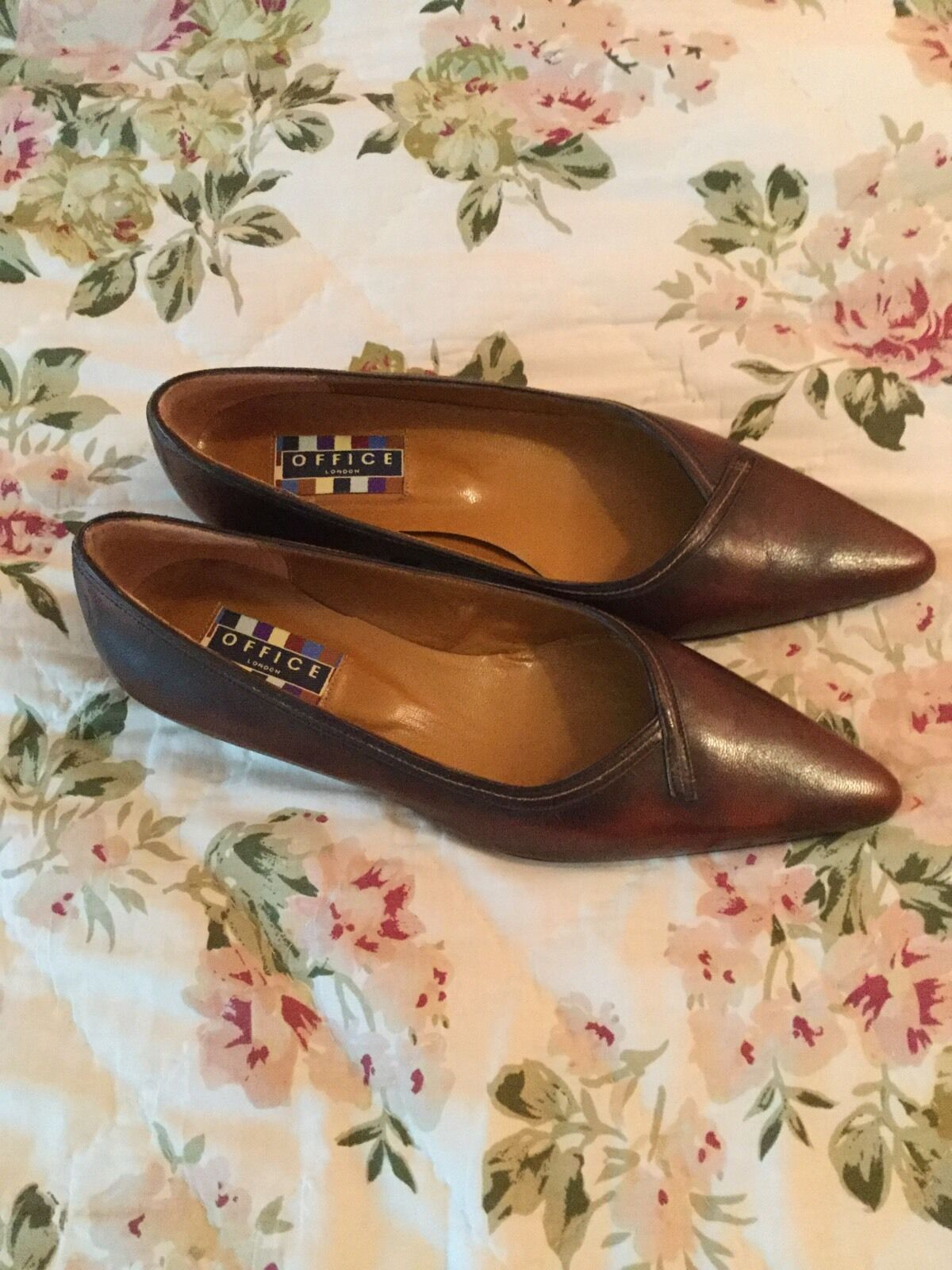 Beautiful OFFICE LONDON Real Fits Leder Pointed Court Schuhes- Fits Real Uk 5.5/38.5 2fcdb1