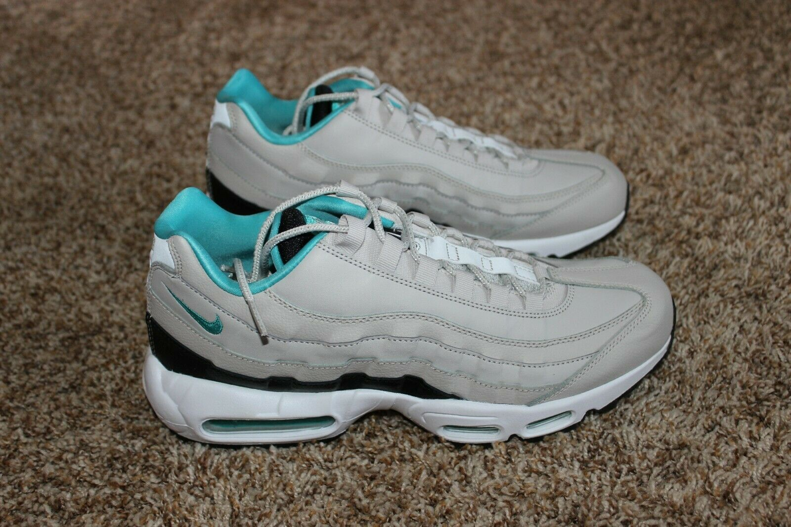 Mens Nike Air Max 95 Essential shoes Sz 11 Light Bone  160 NIB 749766 027 Turq .