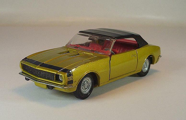 Corgi Toys 338 Chevrolet Camaro SS 350